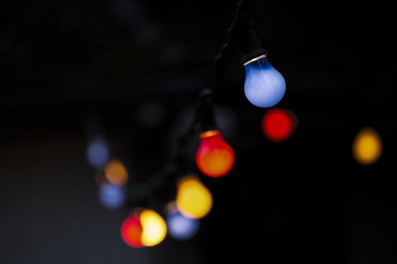 Oświetlenie dekoracyjne przybiera najróżniejsze kształty i wymiary